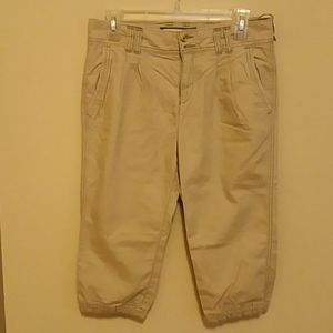 ABERCROMBIE AND FITCH SHORT.
